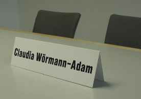 111 - Name sign - an table