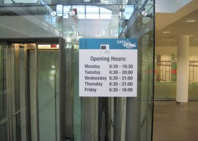 176 - Display plate sticker - opening hours